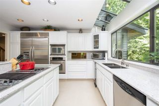 """Photo 7: 1610 PALMERSTON Avenue in West Vancouver: Ambleside House for sale in """"Ambleside"""" : MLS®# R2604244"""