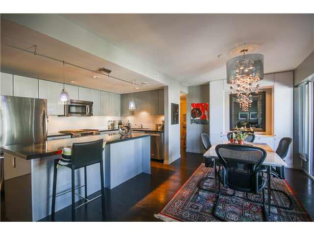 """Photo 7: Photos: 110 1288 CHESTERFIELD Avenue in North Vancouver: Central Lonsdale Condo for sale in """"ALINA"""" : MLS®# V1065611"""