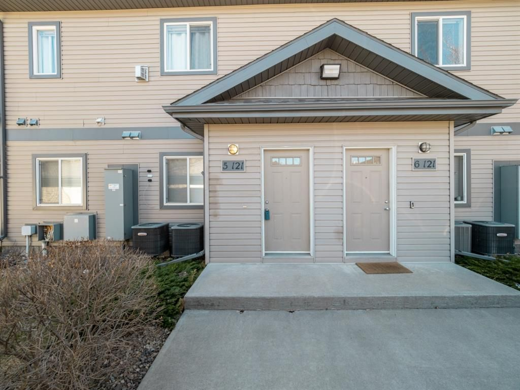 Welcome to #5, 121 Silkstone Rd.W
