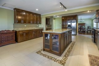 """Photo 7: 5315 IVAR Place in Burnaby: Deer Lake Place House for sale in """"DEER LAKE PLACE"""" (Burnaby South)  : MLS®# R2368666"""