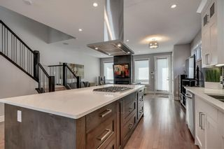 Photo 8: 1617 22 Avenue NW in Calgary: Capitol Hill Semi Detached for sale : MLS®# A1087502
