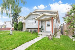 Photo 2: 43 ABERDARE Road NE in Calgary: Abbeydale Detached for sale : MLS®# C4301204