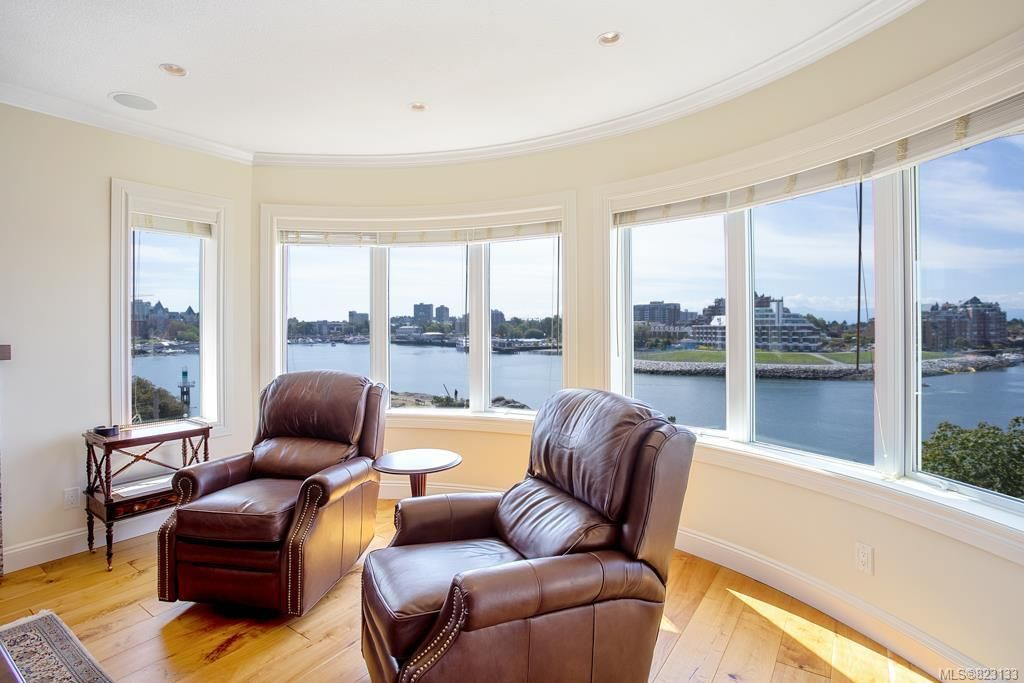 Main Photo: 403 50 Songhees Rd in Victoria: VW Songhees Condo for sale (Victoria West)  : MLS®# 823133