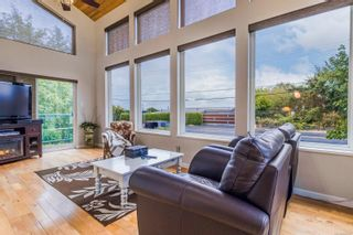 Photo 3: 3188 W Island Hwy in : PQ Qualicum Beach House for sale (Parksville/Qualicum)  : MLS®# 885107