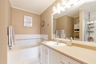 """Photo 11: 208 25 RICHMOND Street in New Westminster: Fraserview NW Condo for sale in """"FRASERVIEW"""" : MLS®# R2423119"""