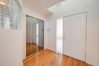Photo 4: 320 CARMICHAEL Wynd in Edmonton: Zone 14 House for sale : MLS®# E4229199