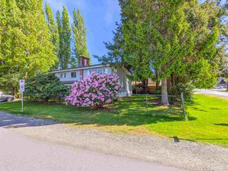 Photo 1: 3820 EARLMOND Avenue in Richmond: Seafair House for sale : MLS®# R2582825