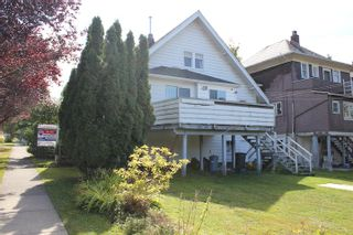 """Photo 3: 103 W 17TH Avenue in Vancouver: Cambie House for sale in """"Cambie Village"""" (Vancouver West)  : MLS®# R2113450"""