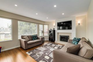 Photo 2: 820 E 37TH Avenue in Vancouver: Fraser VE House for sale (Vancouver East)  : MLS®# R2572909