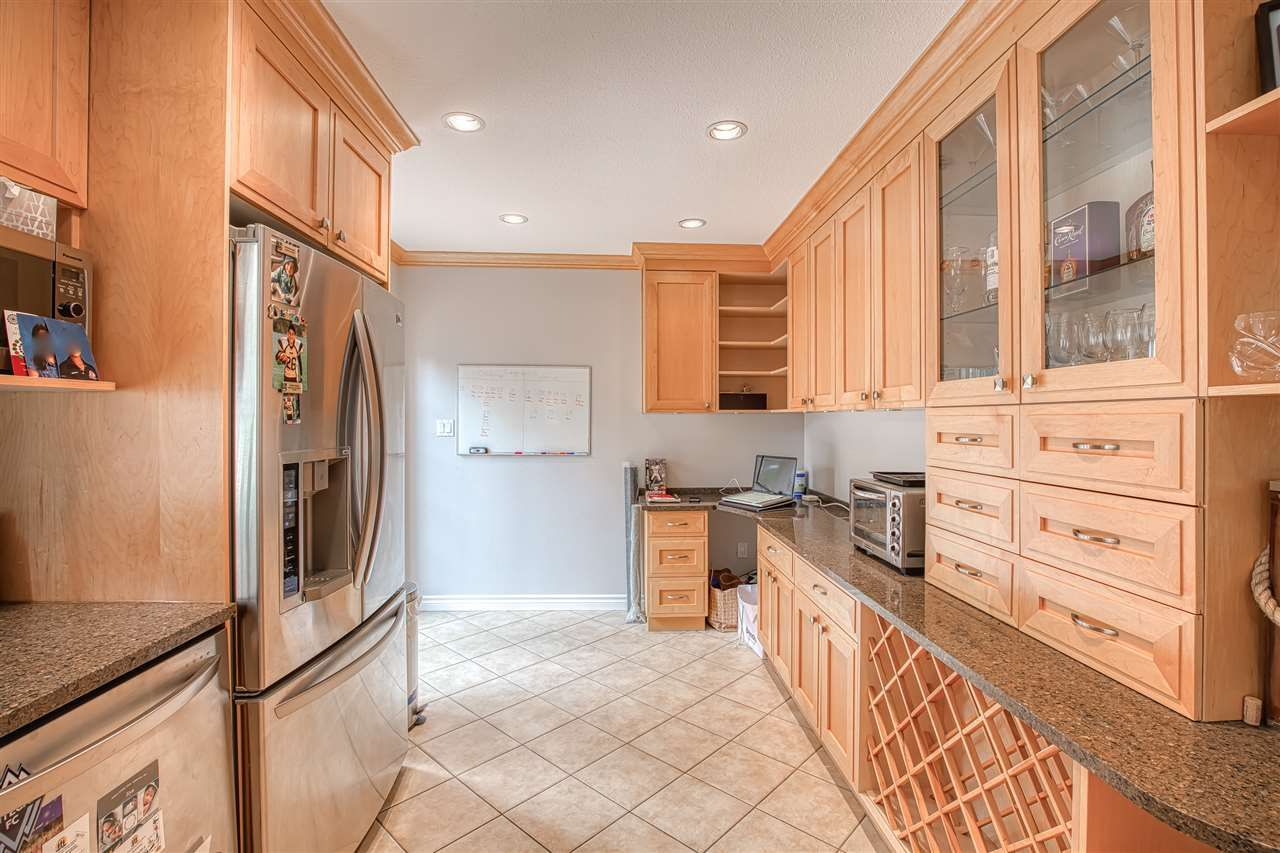 """Photo 7: Photos: 8137 WILTSHIRE BOULEVARD Boulevard in Delta: Nordel House for sale in """"Canterbury Heights"""" (N. Delta)  : MLS®# R2474823"""