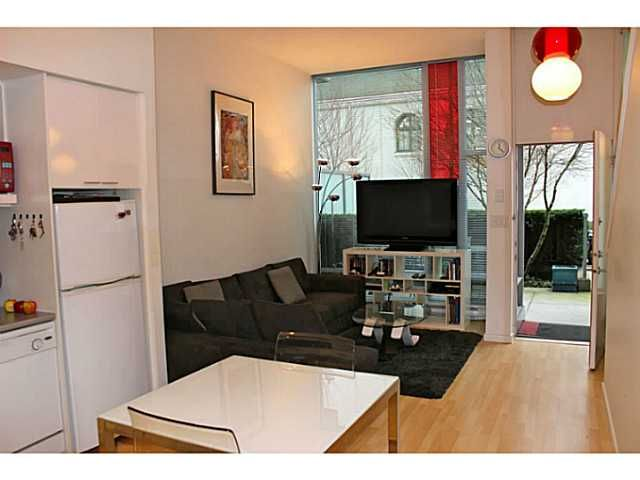 "Main Photo: 626 CITADEL PARADE Boulevard in Vancouver: Downtown VW Townhouse for sale in ""SPECTRUM 4 BY CONCORD PACIFIC"" (Vancouver West)  : MLS®# V988318"