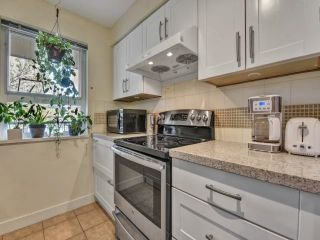 """Photo 5: 305 7088 MONT ROYAL Square in Vancouver: Champlain Heights Condo for sale in """"Brittany"""" (Vancouver East)  : MLS®# R2574941"""
