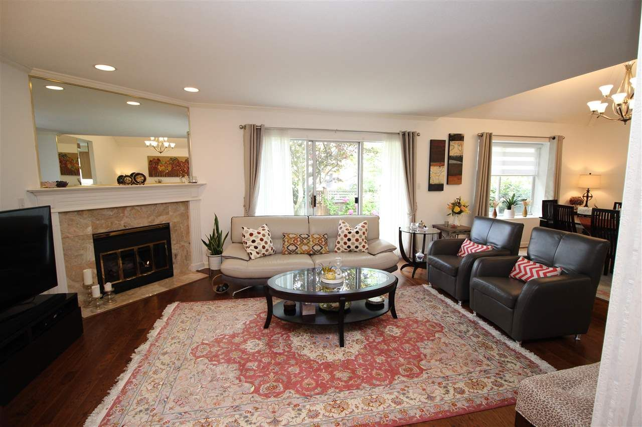 """Main Photo: 1 9700 BLUNDELL Road in Richmond: Garden City Townhouse for sale in """"EVERGREEN GARDENS"""" : MLS®# R2479139"""