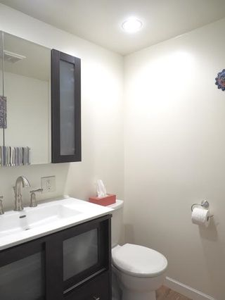 """Photo 5: 214 2320 W 40TH Avenue in Vancouver: Kerrisdale Condo for sale in """"MANOR GARDENS"""" (Vancouver West)  : MLS®# R2061277"""