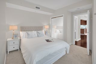 """Photo 9: 603 1925 ALBERNI Street in Vancouver: West End VW Condo for sale in """"Laguna Parkside"""" (Vancouver West)  : MLS®# R2429740"""