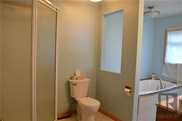 Photo 6: Photos: 255 Dollard Boulevard in Winnipeg: St Boniface Residential for sale (2A)  : MLS®# 1825820