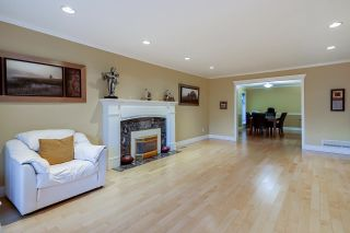 """Photo 3: 15003 81 Avenue in Surrey: Bear Creek Green Timbers House for sale in """"Morningside Estates"""" : MLS®# R2605531"""