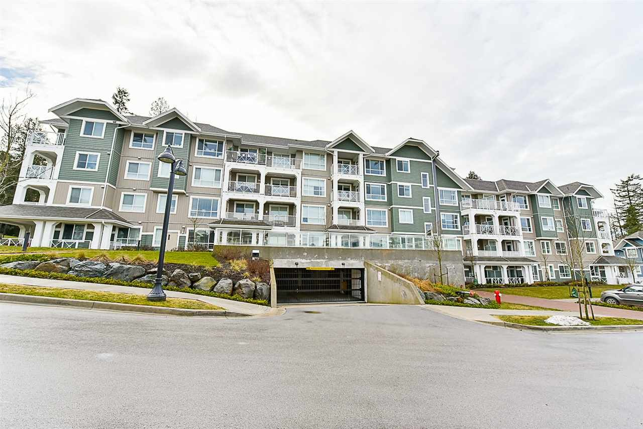 Main Photo: # 508 - 16388 64th Avenue in Surrey: Cloverdale BC Condo for sale (Cloverdale)  : MLS®# R2132280