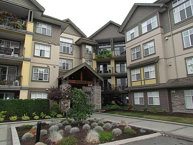 """Main Photo: 405B 45595 TAMIHI Way in Sardis: Vedder S Watson-Promontory Condo for sale in """"THE HARTFORD"""" : MLS®# H1400585"""