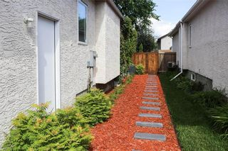 Photo 2: 15 Bloomer Crescent in Winnipeg: Charleswood Residential for sale (1G)  : MLS®# 202124693