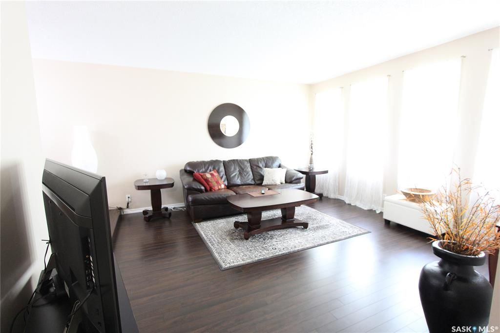 Photo 3: Photos: 1030 Dorothy Street in Regina: Normanview West Residential for sale : MLS®# SK810088