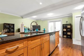 """Photo 8: 301 311 LAVAL Square in Coquitlam: Maillardville Condo for sale in """"HERITAGE ON THE SQUARE"""" : MLS®# R2559703"""