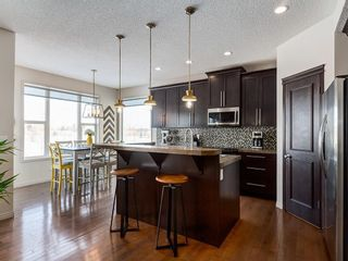 Photo 12: 121 VALLEYVIEW Court SE in Calgary: Dover Detached for sale : MLS®# C4287346