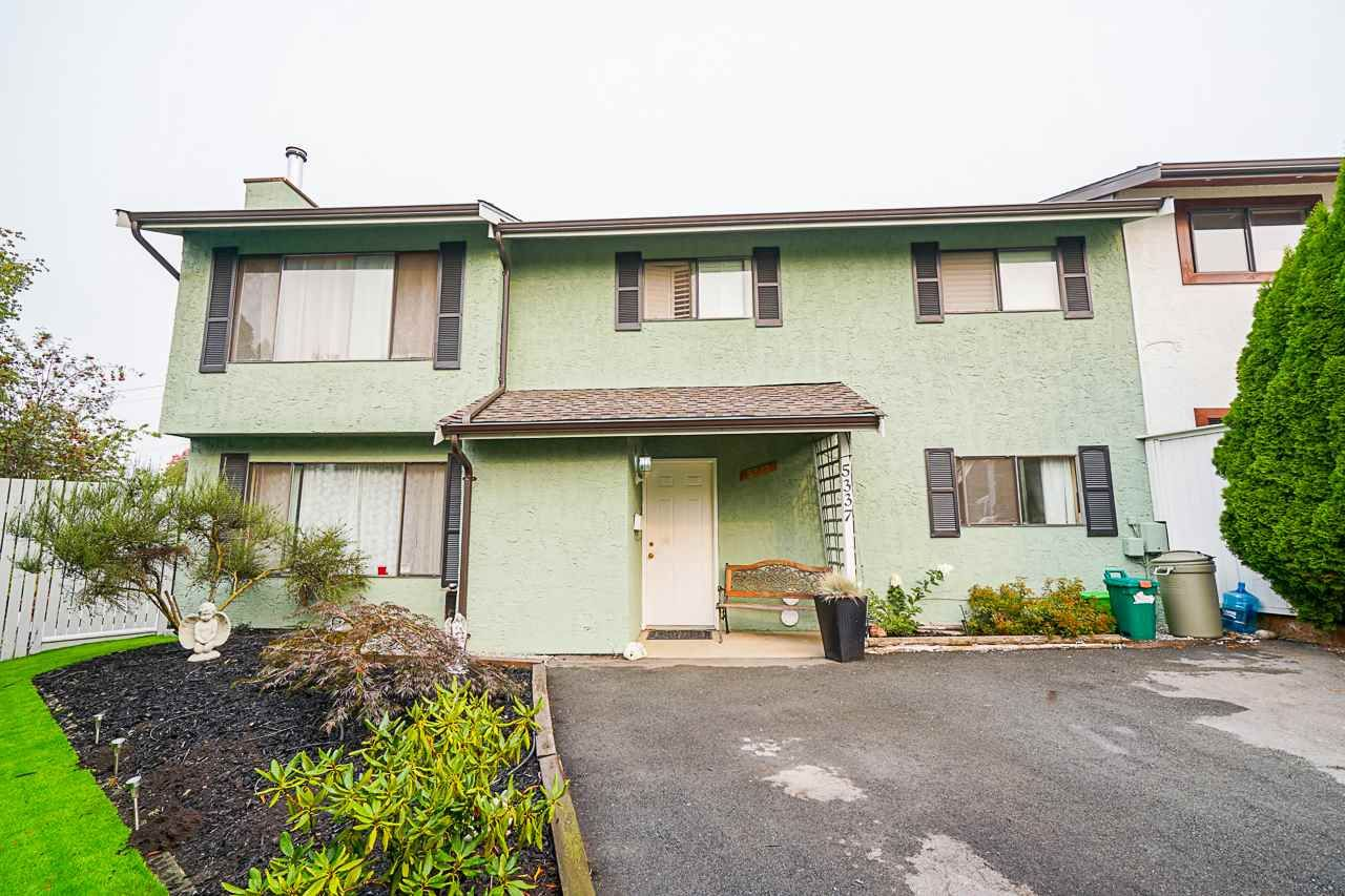 Main Photo: 5337 199 Street in Langley: Langley City 1/2 Duplex for sale : MLS®# R2499666