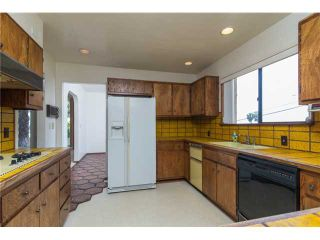 Photo 9: PACIFIC BEACH House for sale : 5 bedrooms : 1712 Beryl Street in San Diego