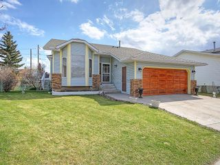 Photo 1: 359 HAWKCLIFF Way NW in Calgary: Hawkwood House for sale : MLS®# C4116388