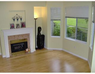 """Photo 5: 68 7500 CUMBERLAND Street in Burnaby: The Crest Townhouse for sale in """"WILDFLOWER"""" (Burnaby East)  : MLS®# V651853"""