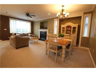 Photo 2: 8555 THORPE ST in Mission: Mission BC House for sale : MLS®# F1323075