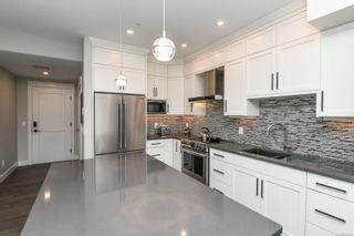 Photo 3: 202 1700 Balmoral Ave in : CV Comox (Town of) Condo for sale (Comox Valley)  : MLS®# 875549