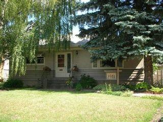 Photo 1: 9251 - 81 Street: House for sale (Holyrood)  : MLS®# e3064385