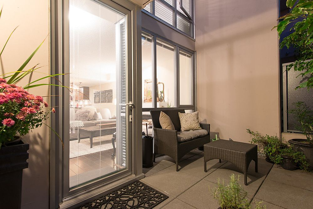 """Main Photo: 593 W 7TH Avenue in Vancouver: Fairview VW Townhouse for sale in """"Affiniti"""" (Vancouver West)  : MLS®# V1032443"""