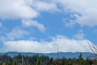 Photo 21: 305 2940 Harriet Rd in Saanich: SW Gorge Condo for sale (Saanich West)  : MLS®# 869511