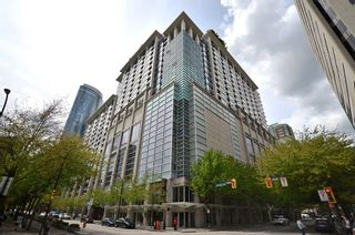 """Photo 1: 1920 938 SMITHE Street in Vancouver: Downtown VW Condo for sale in """"ELECTRIC AVENUE"""" (Vancouver West)  : MLS®# R2612636"""