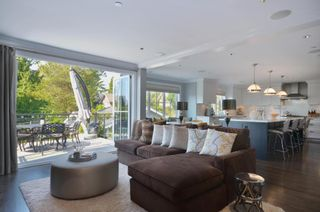 Photo 6:  in Vancouver: Home for sale : MLS®# V985447
