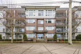 """Photo 1: 402 46150 BOLE Avenue in Chilliwack: Chilliwack N Yale-Well Condo for sale in """"THE NEWMARK"""" : MLS®# R2434088"""