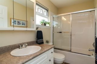 Photo 16: 18449 68 Avenue in Surrey: Cloverdale BC House for sale (Cloverdale)  : MLS®# R2163355