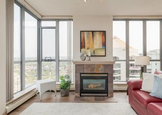 Photo 8: 2302 650 10 Street SW in Calgary: Downtown West End Apartment for sale : MLS®# A1133390