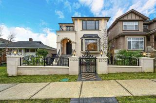 Photo 1: 2352 UPLAND Drive in Vancouver: Fraserview VE House for sale (Vancouver East)  : MLS®# R2542050