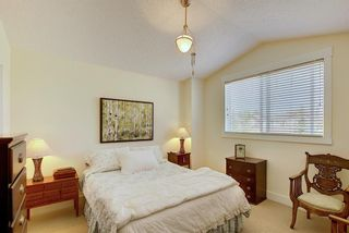 Photo 22: 45 Discovery Heights SW in Calgary: Discovery Ridge Row/Townhouse for sale : MLS®# A1109314