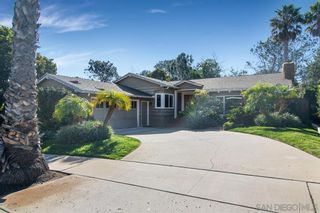 Photo 2: POINT LOMA House for sale : 3 bedrooms : 858 Moana Dr in San Diego
