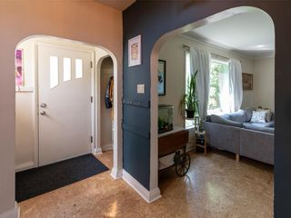 Photo 3: 77 Smithfield Avenue in Winnipeg: Scotia Heights Residential for sale (4D)  : MLS®# 202119152