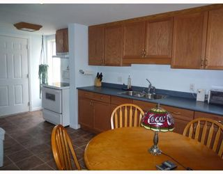 Photo 2: 137 MCMEANS Avenue West in WINNIPEG: Transcona Residential for sale (North East Winnipeg)  : MLS®# 2907147