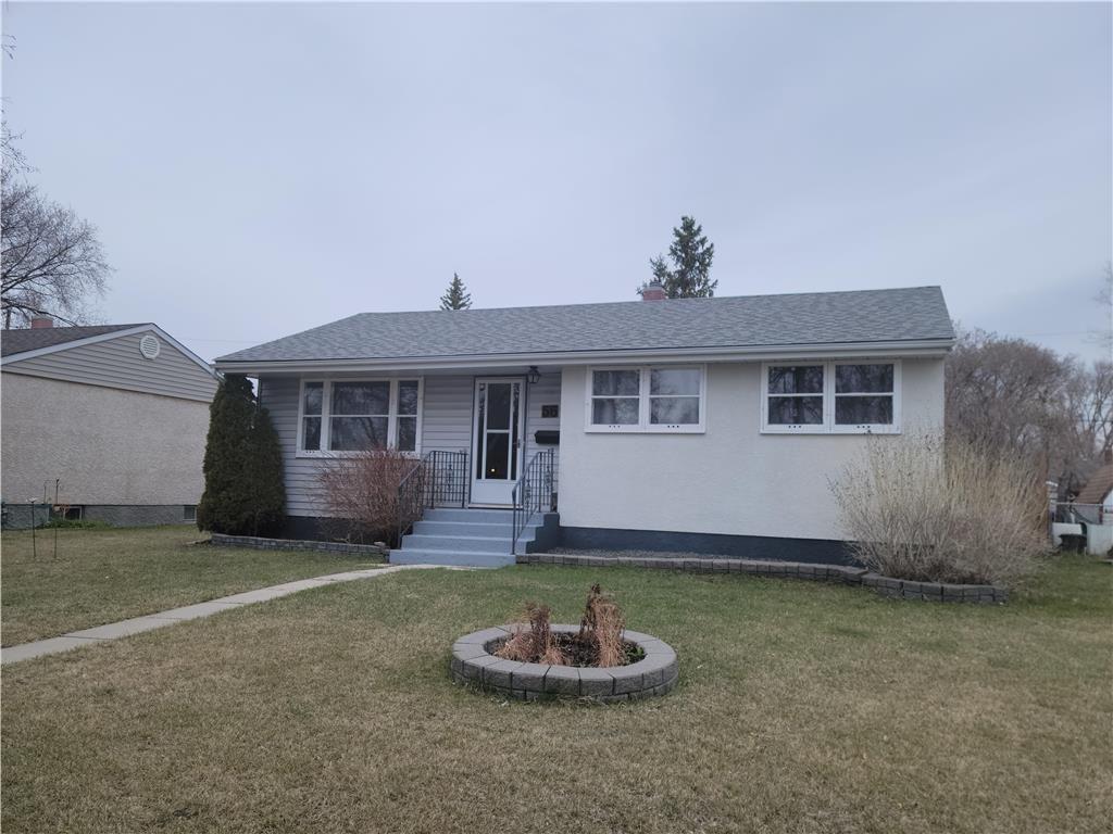 Main Photo: 56 Bernier Bay in Winnipeg: Windsor Park Residential for sale (2G)  : MLS®# 202110385