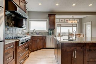 Photo 4: 38 Elmont Estates Manor SW in Calgary: Springbank Hill Detached for sale : MLS®# C4293332