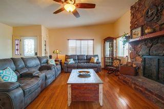 Photo 4: VISTA House for sale : 5 bedrooms : 1586 Sunrise Dr