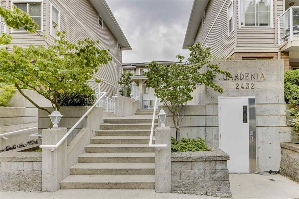 Main Photo: 203-2432 Welcher Ave in Port Coquitlam: Central Pt Coquitlam Townhouse for sale : MLS®# R2480052